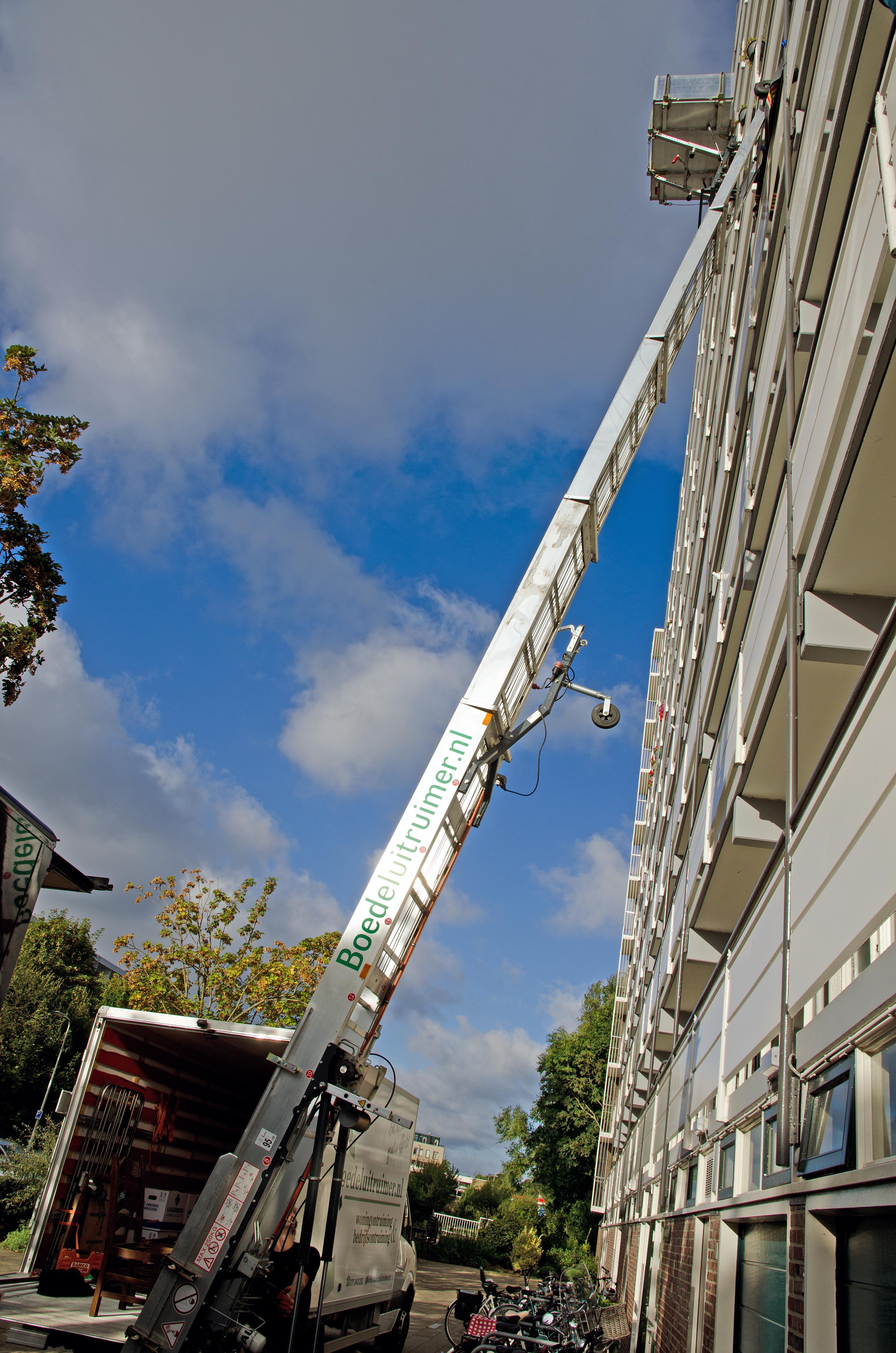 Verhuislift huren Leiden bij een woningontruiming